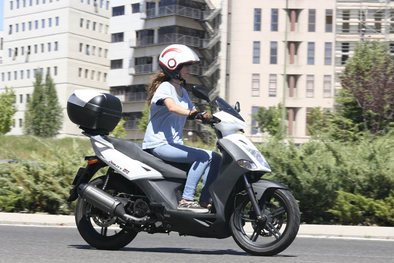 Love Scooter by Kymco