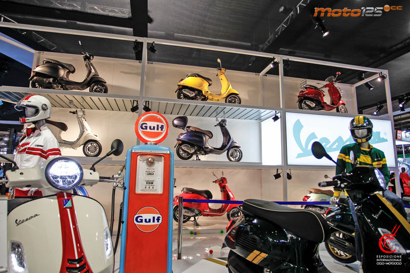 EICMA19 - Vespa Sprint Racing Sixties 125