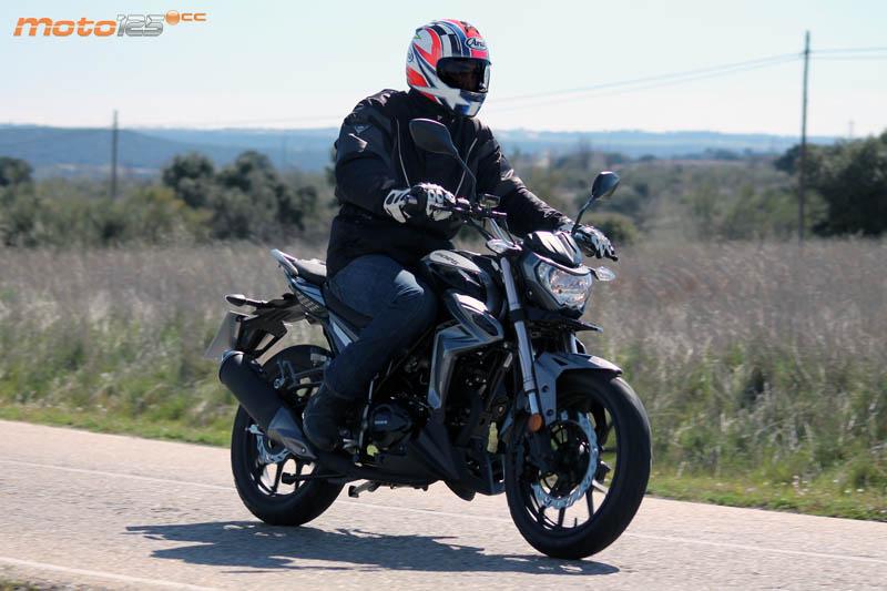 Goes G125 NK EFI - Miss naked - Moto125