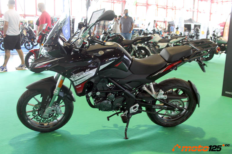 En breve Benelli TRK 125 y Leoncino 125 Motorama%20-%20Benelli%20TRK%20125%20-%2001